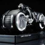 Tron-Legacy-Light-Cycle-Die-Cast-Figure-3_1301484442