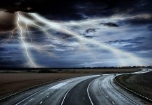 молния дорога