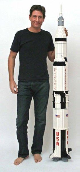 Saturn V Rocket лего