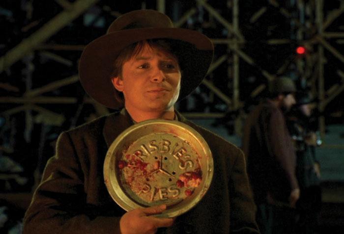 тарелка фрисби, пирог
