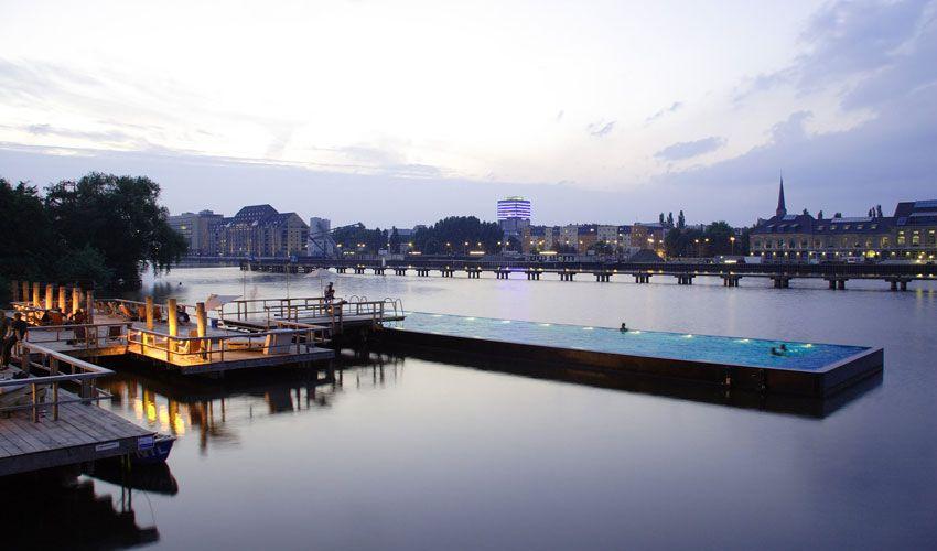 берлин бассейн на воде