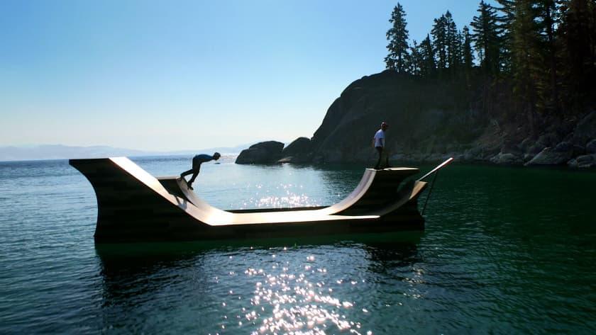 рампа для скейтборда на воде